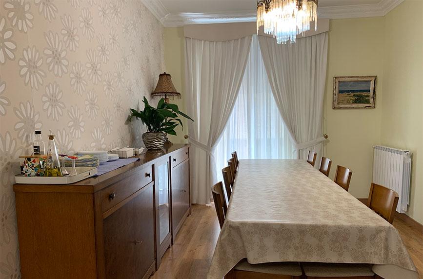 Salón comedor residencia universitaria RD51